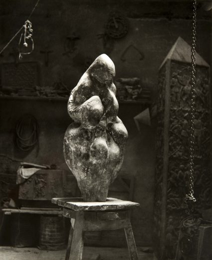 Venus Maternité